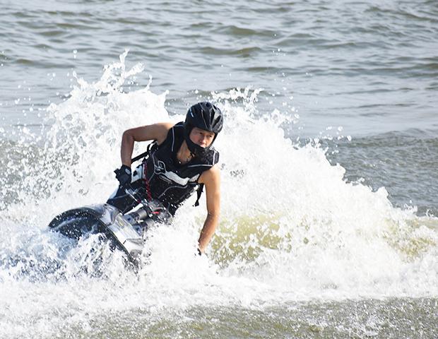 水上バイク1